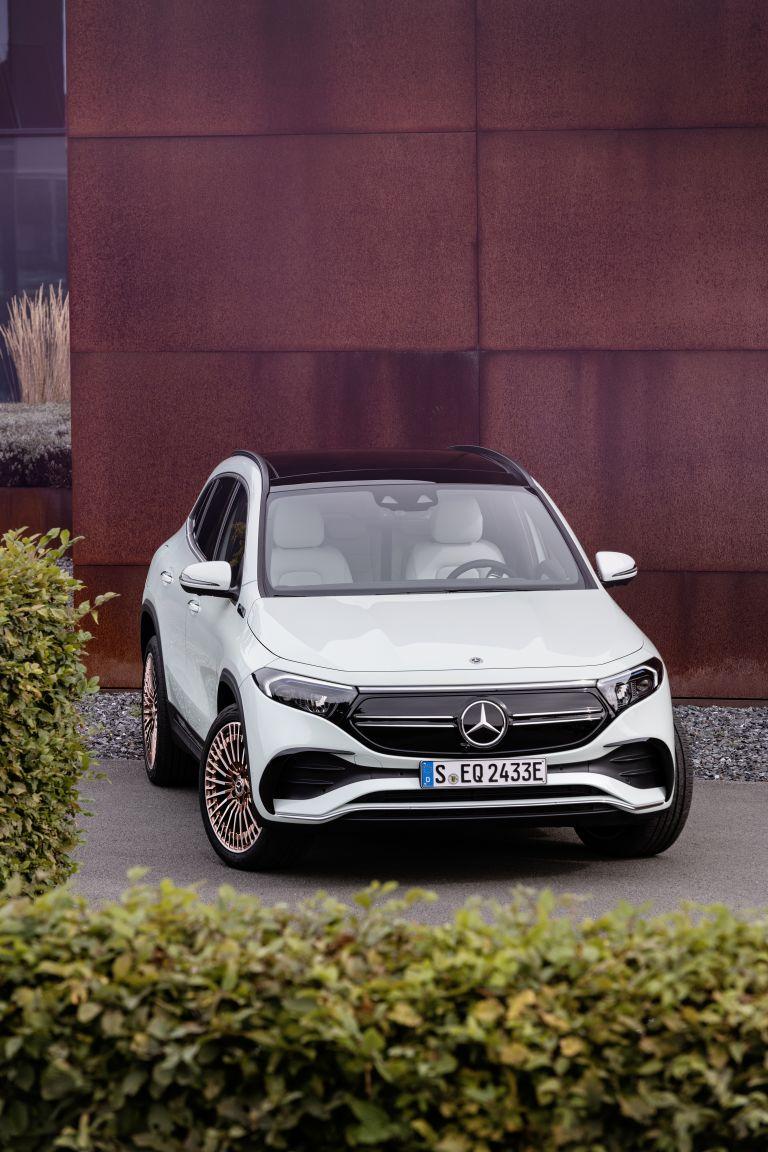 2021 Mercedes-Benz EQA 617501