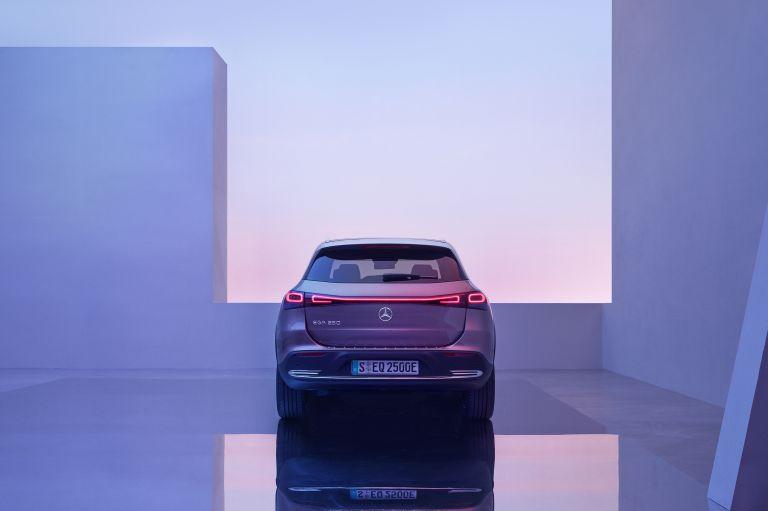 2021 Mercedes-Benz EQA 617560