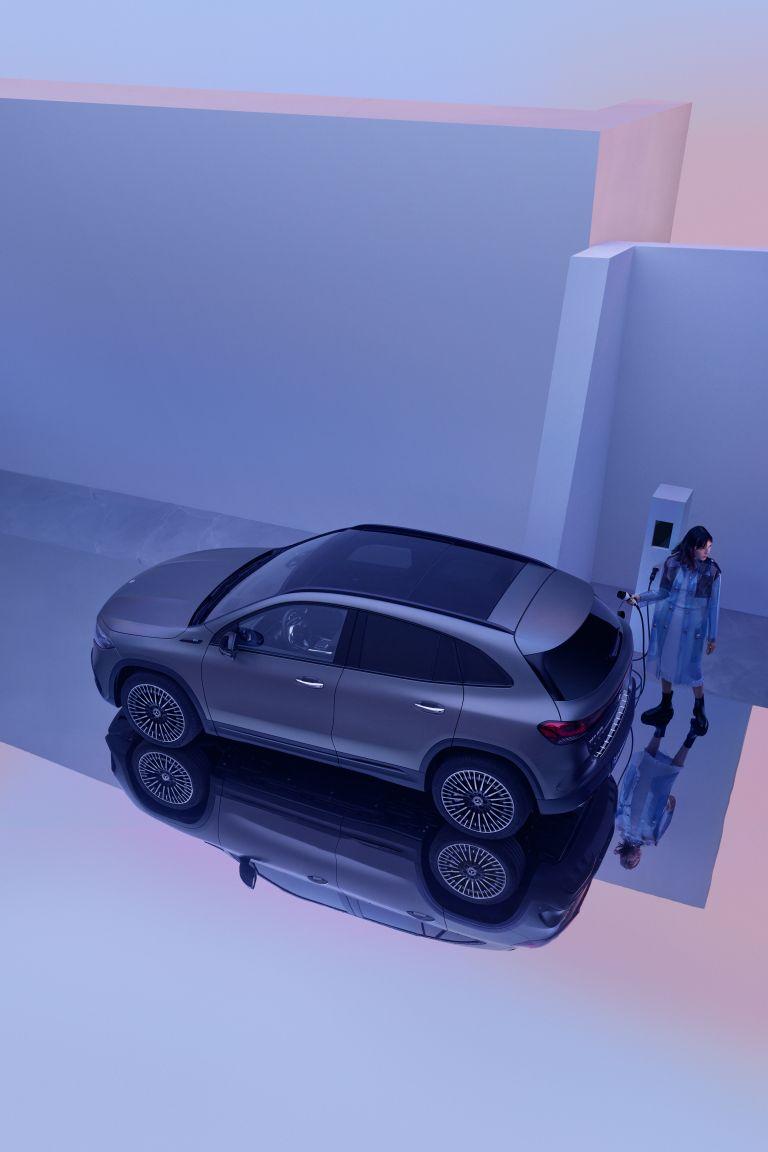 2021 Mercedes-Benz EQA 617564