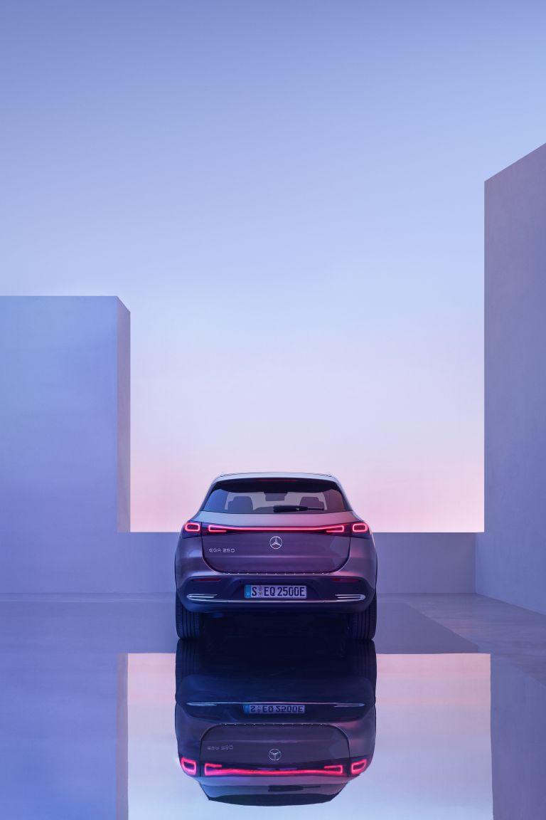 2021 Mercedes-Benz EQA 617567