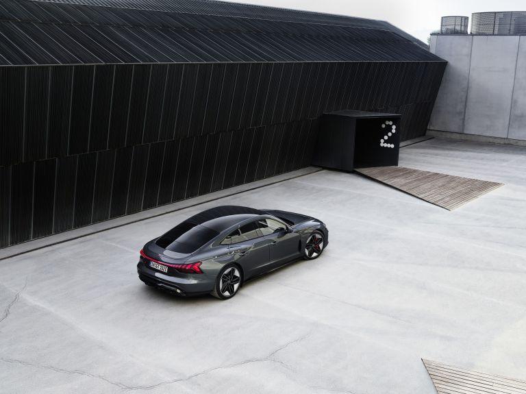 2022 Audi RS e-tron GT 620935