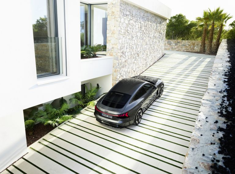 2022 Audi RS e-tron GT 620937
