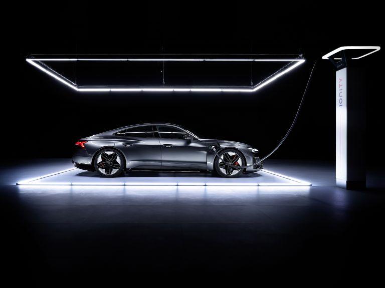 2022 Audi RS e-tron GT 620941