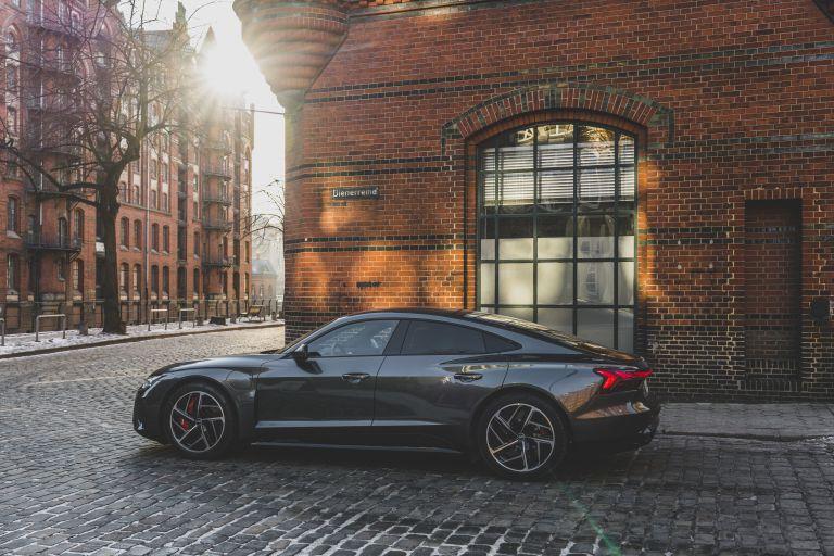 2022 Audi RS e-tron GT 623033