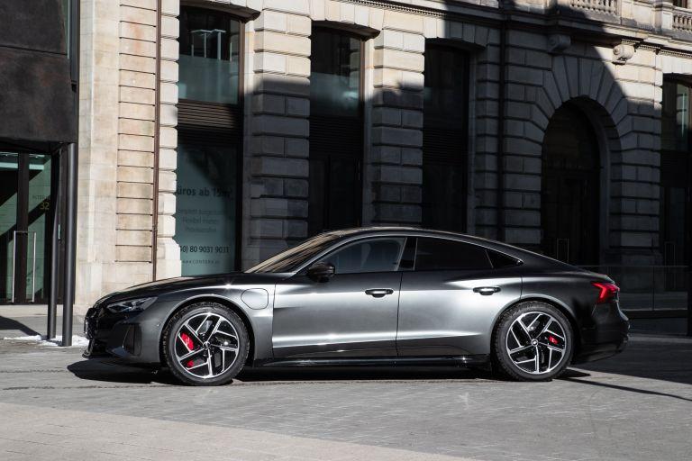 2022 Audi RS e-tron GT 623036