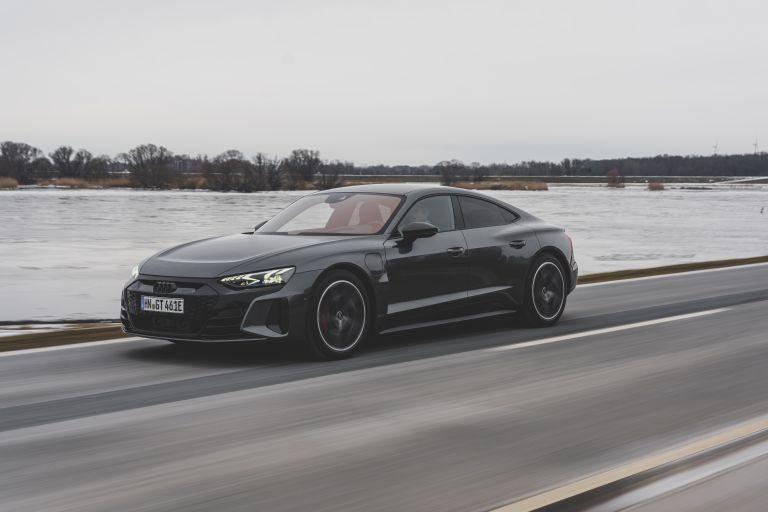 2022 Audi RS e-tron GT 623040