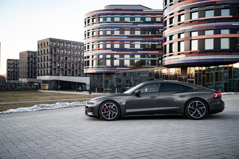 2022 Audi RS e-tron GT 623059
