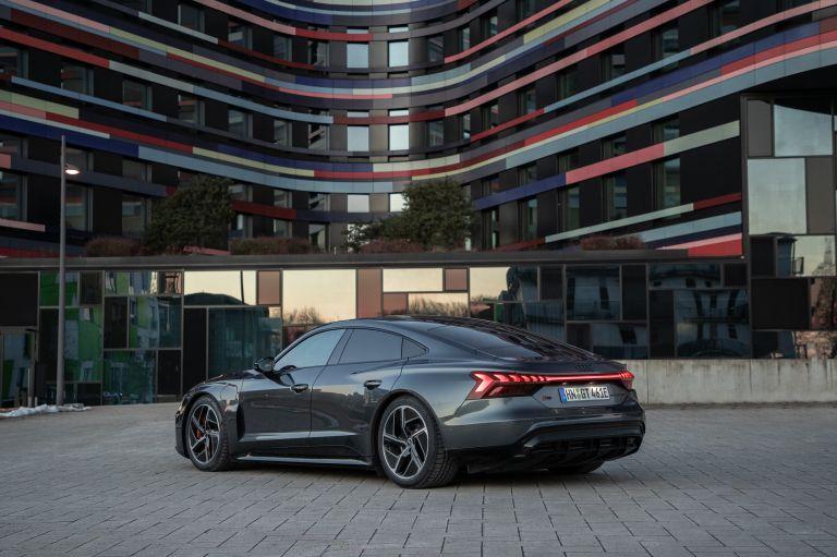 2022 Audi RS e-tron GT 623060