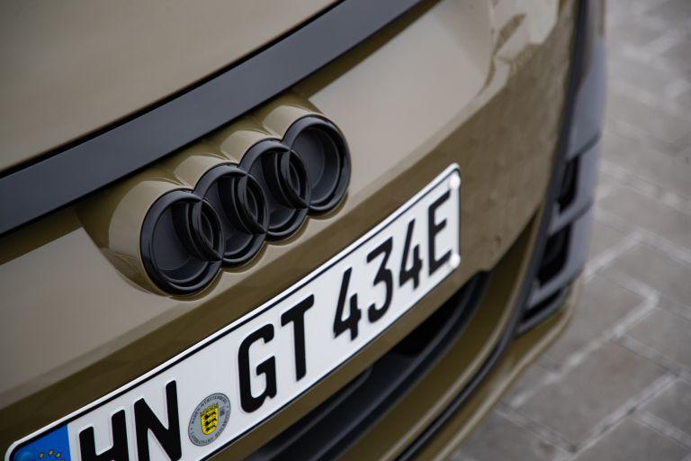 2022 Audi RS e-tron GT 623095