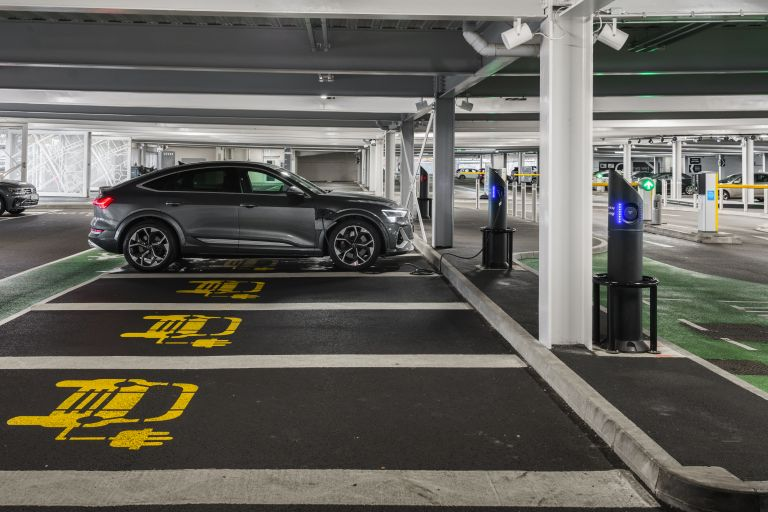 2021 Audi e-tron S Sportback quattro - UK version 621080