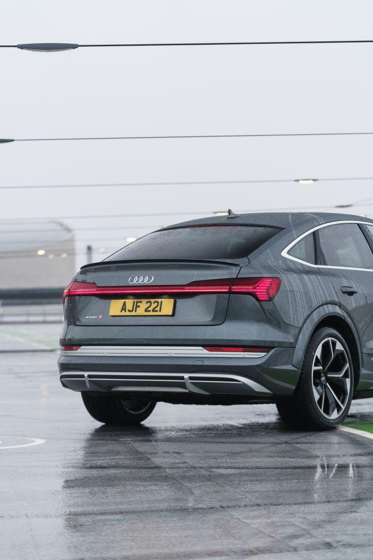 2021 Audi e-tron S Sportback quattro - UK version 621111