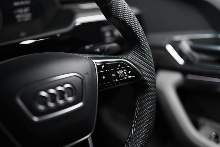 2021 Audi e-tron S Sportback quattro - UK version 621125