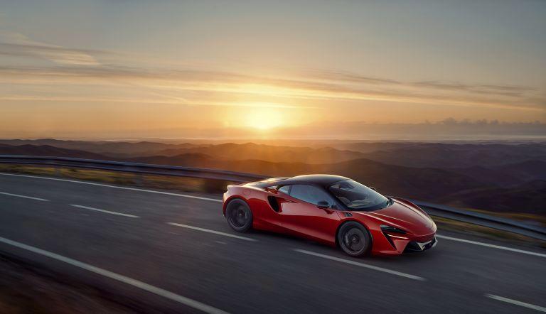 2022 McLaren Artura 621905