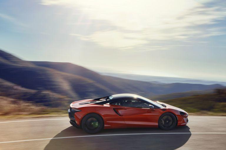 2022 McLaren Artura 621907