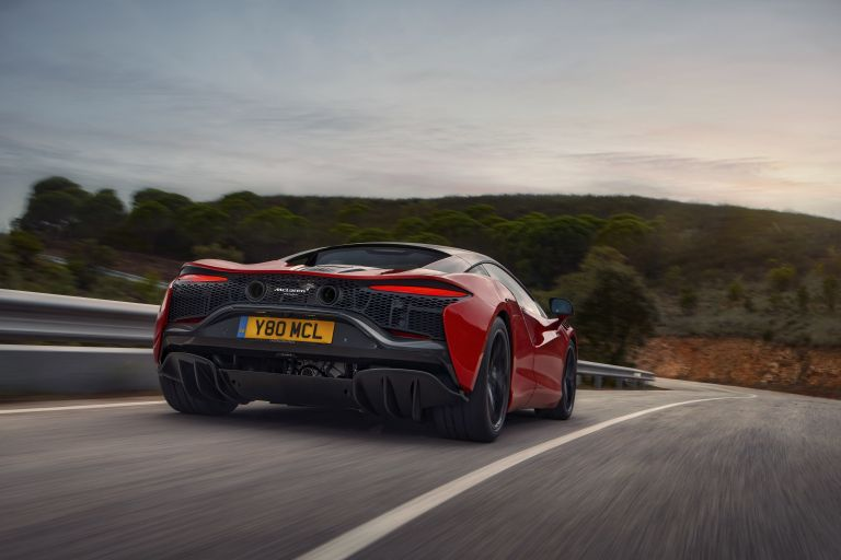 2022 McLaren Artura 621911