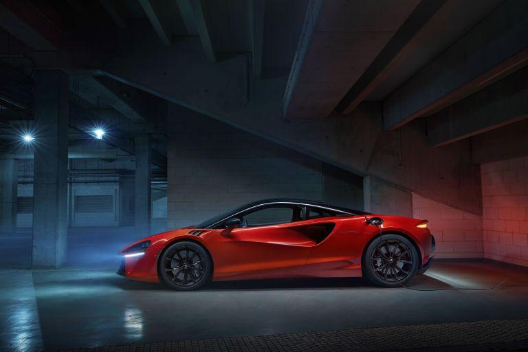 2022 McLaren Artura 621913