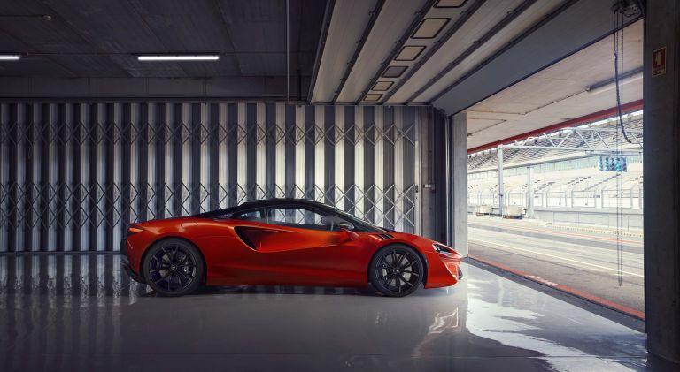 2022 McLaren Artura 621914