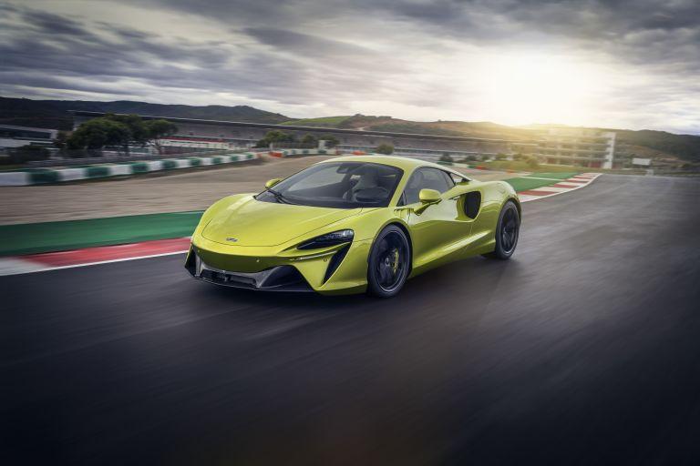 2022 McLaren Artura 621925