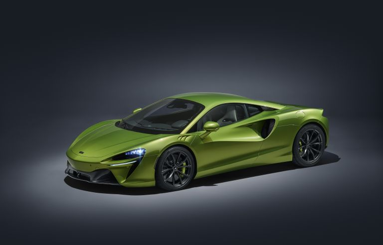 2022 McLaren Artura 621935