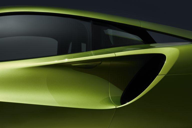 2022 McLaren Artura 621940