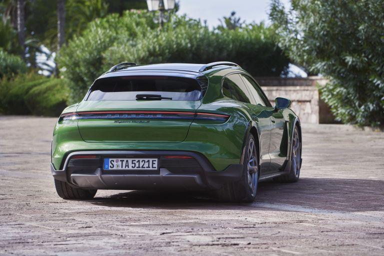 2022 Porsche Taycan Turbo S Cross Turismo 623351