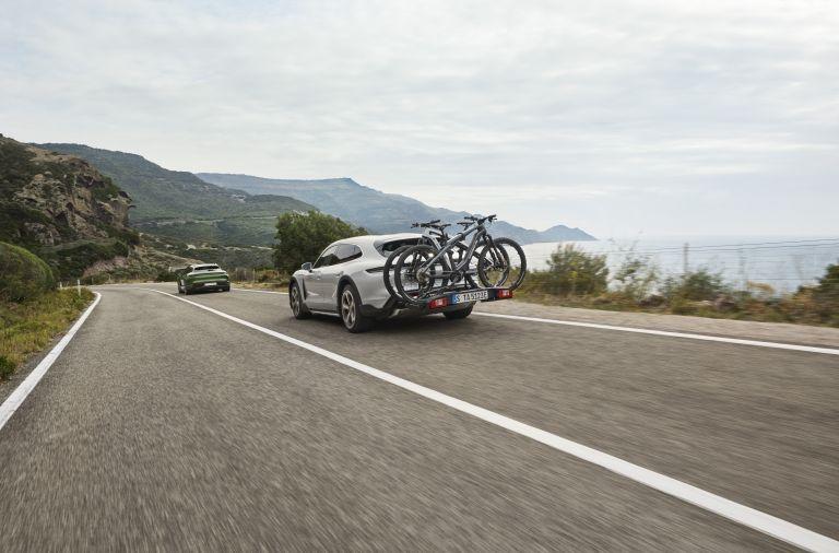 2022 Porsche Taycan Turbo S Cross Turismo 623360