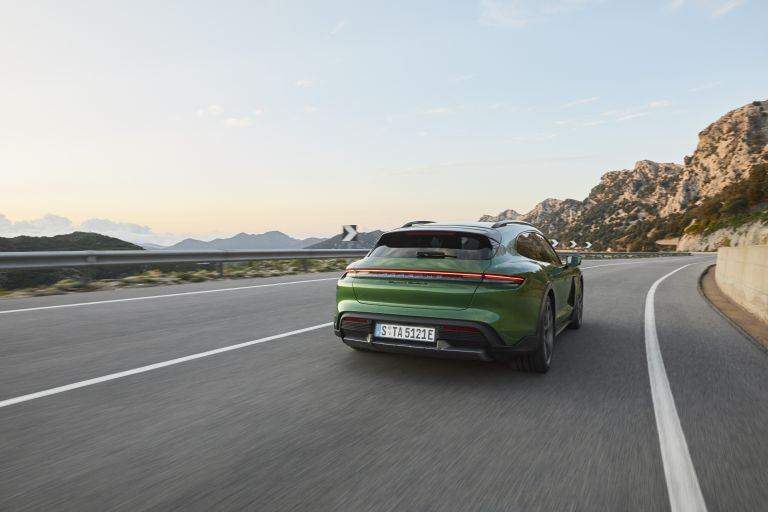 2022 Porsche Taycan Turbo S Cross Turismo 623361