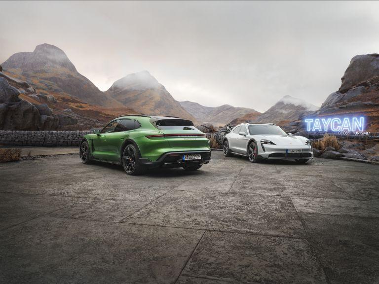 2022 Porsche Taycan Turbo S Cross Turismo 623369