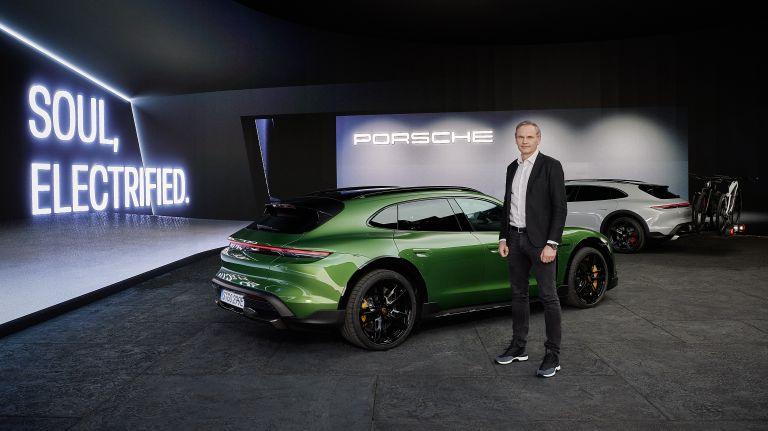 2022 Porsche Taycan Turbo S Cross Turismo 623372