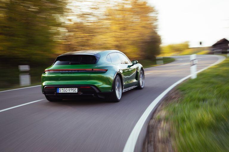 2022 Porsche Taycan Turbo S Cross Turismo 629203