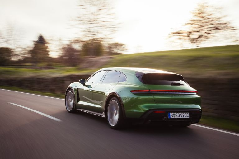 2022 Porsche Taycan Turbo S Cross Turismo 629206