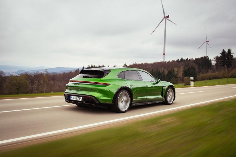 2022 Porsche Taycan Turbo S Cross Turismo 629211