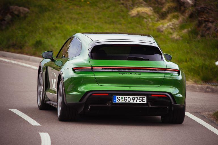 2022 Porsche Taycan Turbo S Cross Turismo 629215