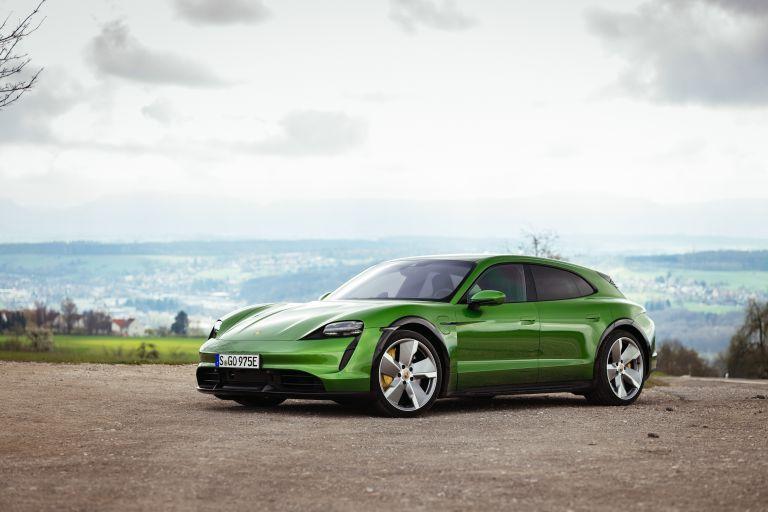 2022 Porsche Taycan Turbo S Cross Turismo 629216