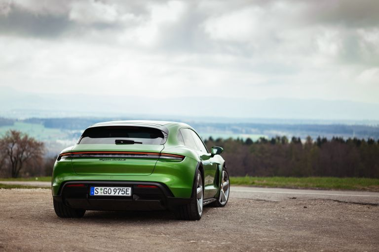 2022 Porsche Taycan Turbo S Cross Turismo 629219