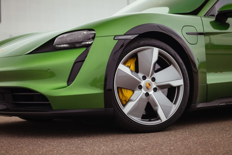 2022 Porsche Taycan Turbo S Cross Turismo 629221