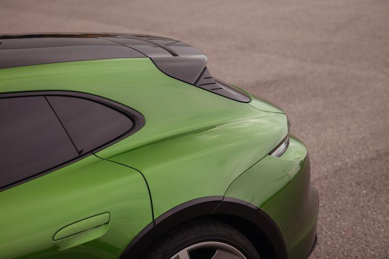 2022 Porsche Taycan Turbo S Cross Turismo 629225