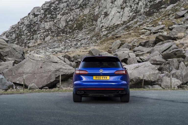 2021 Volkswagen Touareg R eHybrid - UK version 626247