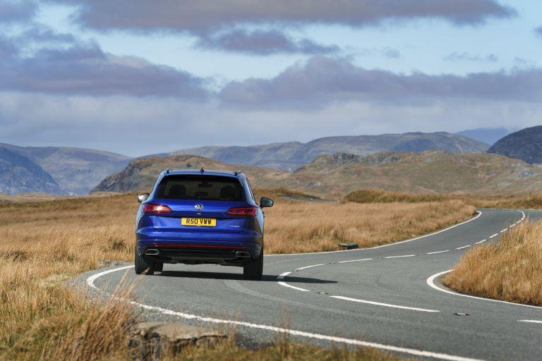 2021 Volkswagen Touareg R eHybrid - UK version 626289