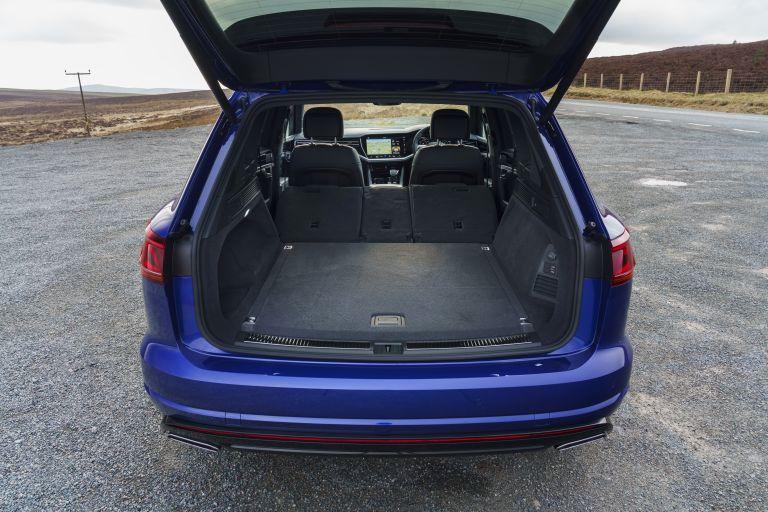 2021 Volkswagen Touareg R eHybrid - UK version 626298