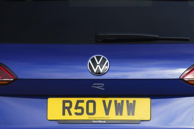 2021 Volkswagen Touareg R eHybrid - UK version 626313