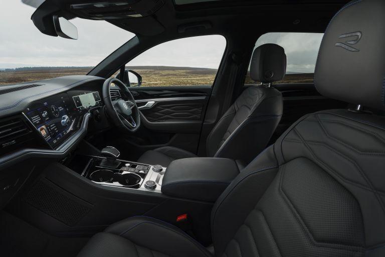 2021 Volkswagen Touareg R eHybrid - UK version 626317
