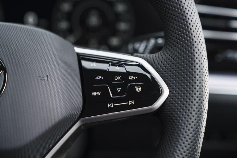 2021 Volkswagen Touareg R eHybrid - UK version 626334