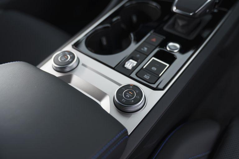 2021 Volkswagen Touareg R eHybrid - UK version 626335
