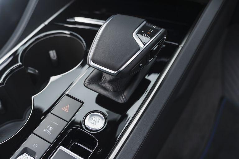 2021 Volkswagen Touareg R eHybrid - UK version 626338