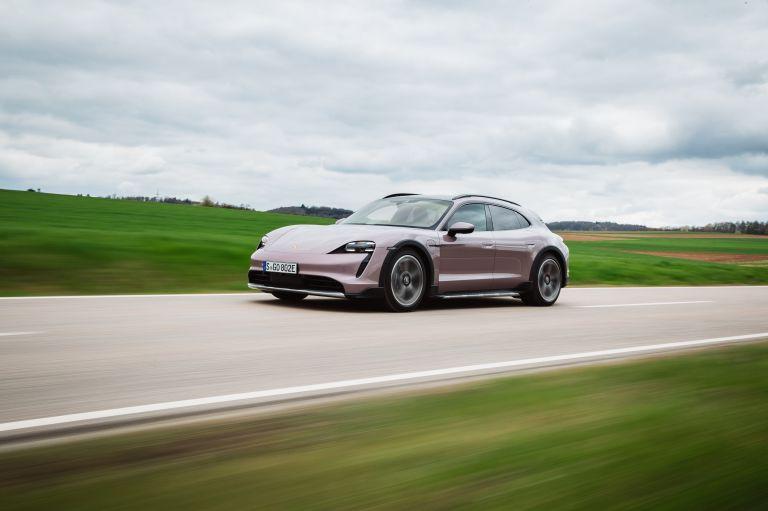2022 Porsche Taycan 4 Cross Turismo 629177