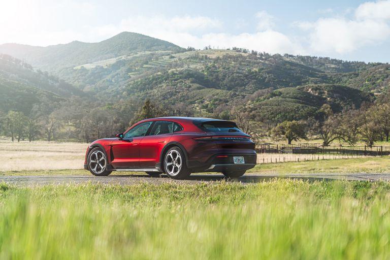 2022 Porsche Taycan 4 Cross Turismo 630185