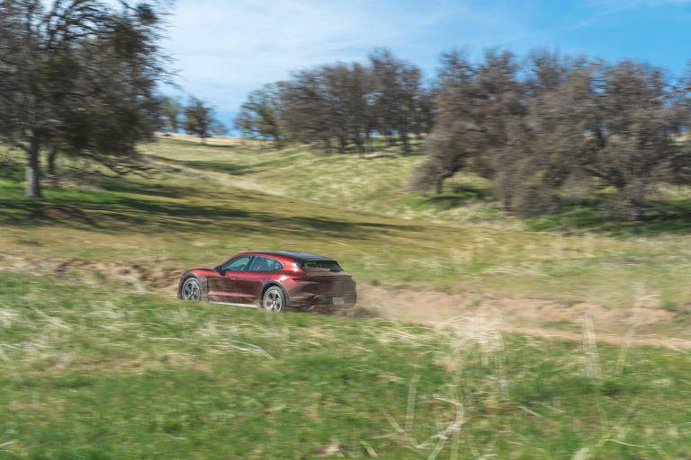 2022 Porsche Taycan 4 Cross Turismo 630195