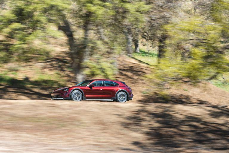 2022 Porsche Taycan 4 Cross Turismo 630210