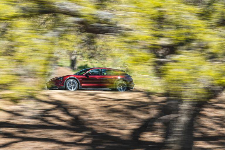 2022 Porsche Taycan 4 Cross Turismo 630211